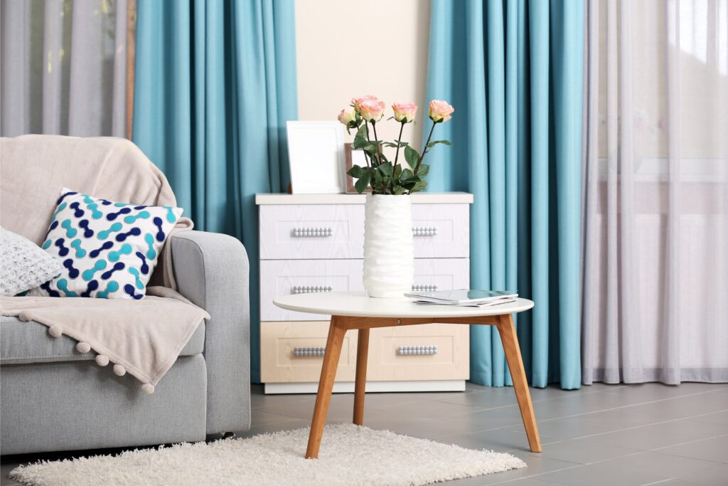 Flowers, vase, Sofa, Curtains, Martina's Cleaning, cleaner in Melksham and Devizes